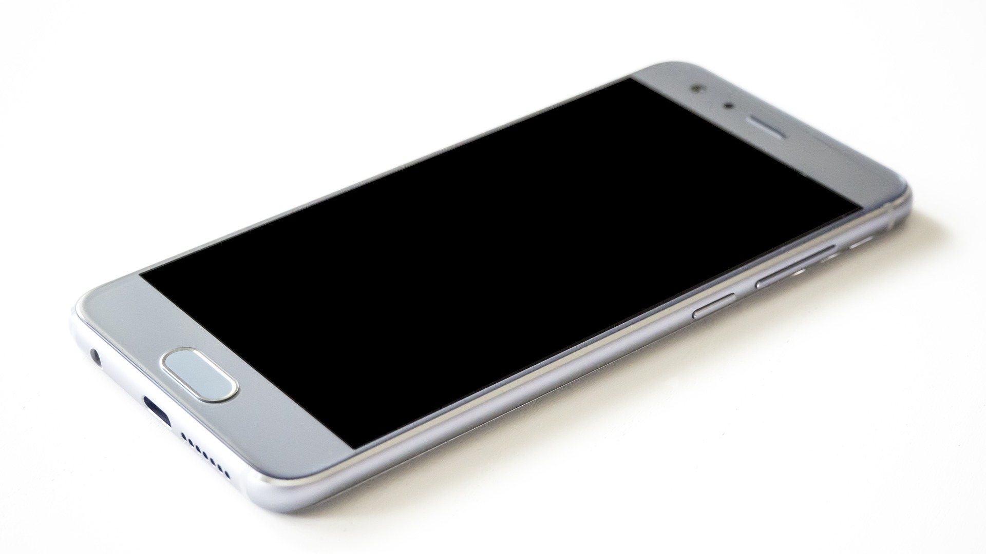 Tech trade war could compel Huawei toward 'plan B' for its smartphones